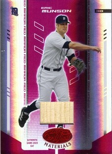 2004 Leaf Certified Materials Mirror Bat Red #60 Eric Munson/250