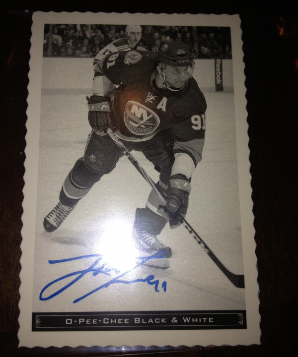 2012-13 O-Pee-Chee Black and White #18 John Tavares