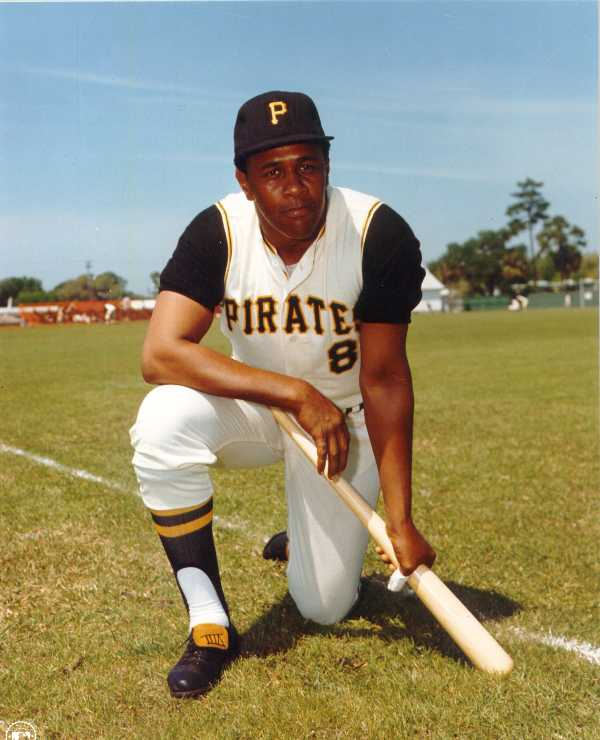 Pirates Willie Stargell color 8 x 10 photo