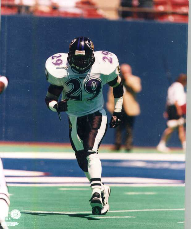 Ravens Eric Turner 8 x 10 color photo