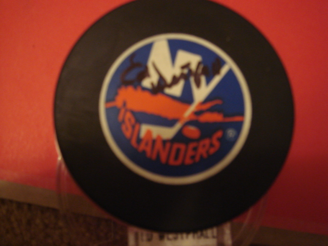 Ed westphall New York Islanders Puck with COA