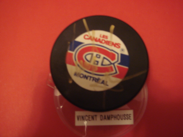 Vincent Damphoussse Autographed Montreal Canadiens hockey Puck with COA