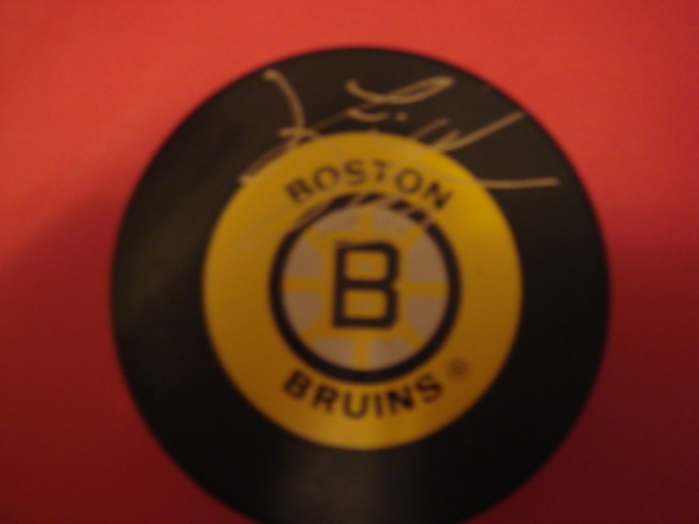 Joe Juneau Autographed Boston Bruins Puck With COA