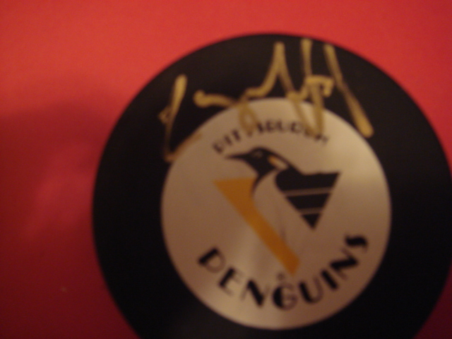 Larry Murphy Autographed Pittsburgh Penguins Puck with COA