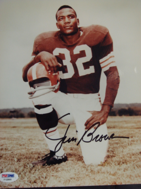Jim Brown Autographed 8 x 10 Browns picture With PSA coa