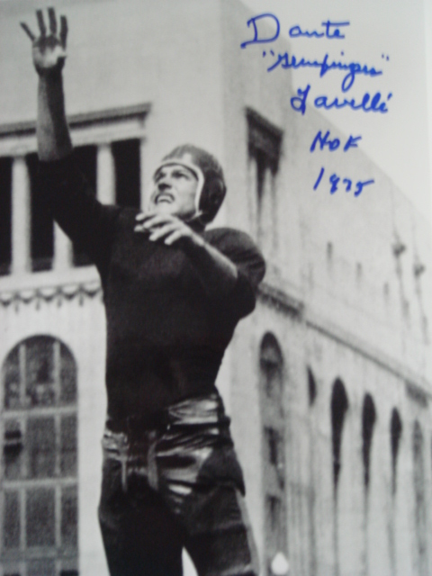 Dante Lavelli Autographed 8 x 10 picture with Hof 1975 ins. With Coa