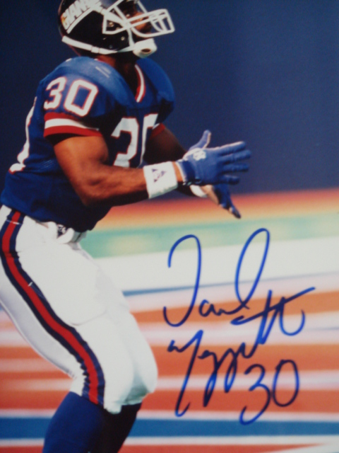 Dave Meggett Autographed 8 x 10 Giants Picture with coa