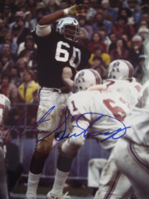 Otis Sistrunk autographed 8 x 10 Raiders Picture with Coa