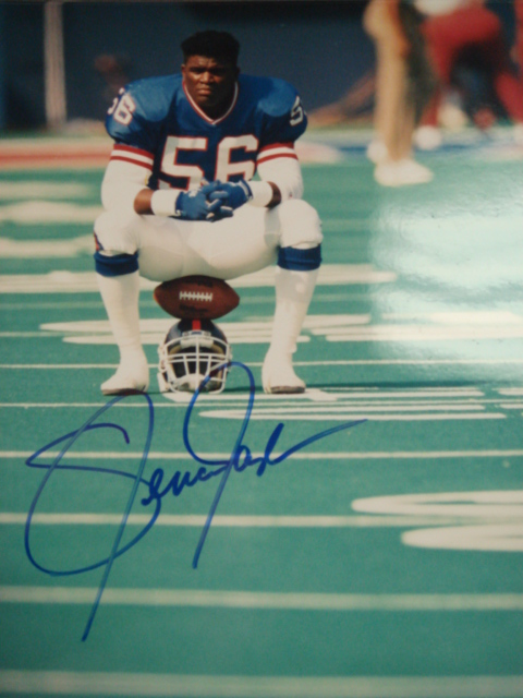 Lawrence Taylor autographed Giants 8 x 10 Picture with PSA Coa