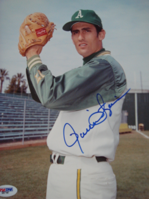 Rollie Fingers autographed 8 x 10 Oakland A'S picture with PSA Coa