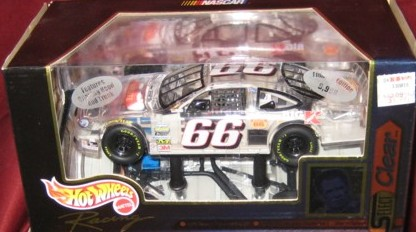 1999 Hot Wheels Select Clear 1:24 #66 D.Waltrip/Big K