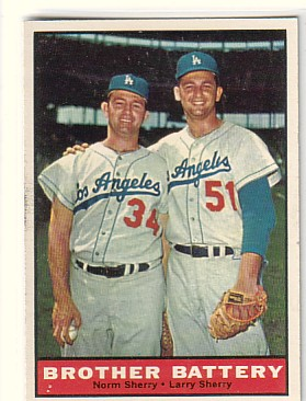1961 Topps #521 Brother Battery/Norm Sherry/Larry Sherry