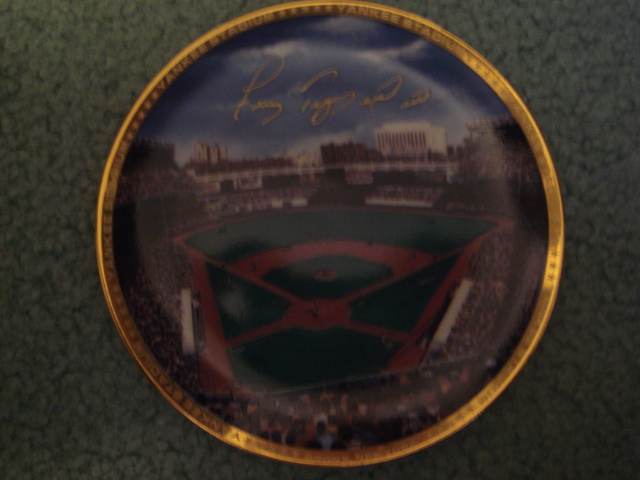 Frank Tepedino Yankee Stadium Autographed 1989 Sports Impressions Mini Plate By Robert Stephen Simon With COA