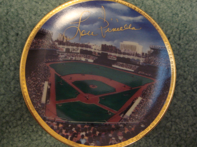 Lou Piniella Yankee Stadium Autographed 1989 Sports Impressions Mini Plate By Robert Stephen Simon With COA
