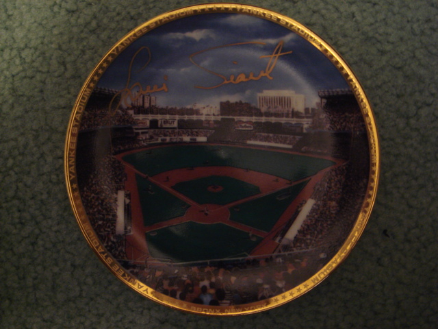 Luis Tiant Yankee Stadium Autographed 1989 Sports Impressions Mini Plate By Robert Stephen Simon With COA