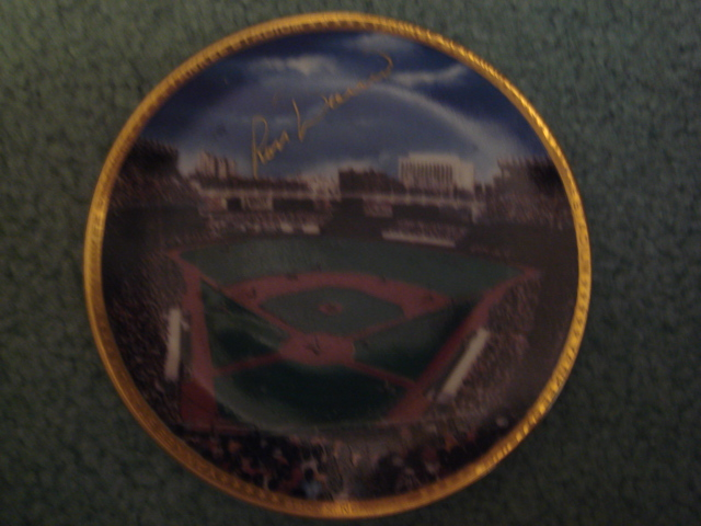 Ron Davis Yankee Stadium Autographed 1989 Sports Impressions Mini Plate By Robert Stephen Simon With COA
