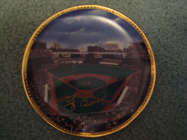 Yogi Berra Yankee Stadium Autographed 1989 Sports Impressions Mini Plate By Robert Stephen Simon With COA