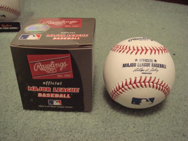 Rawlings Official leather MLB Baseball Bud Selig Com.  great for autographs