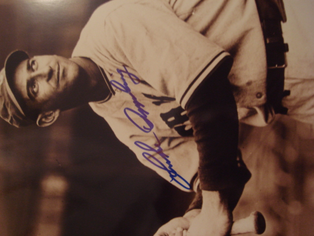 Luke Appling Autographed 8 X 10 White Sox Picture With COA