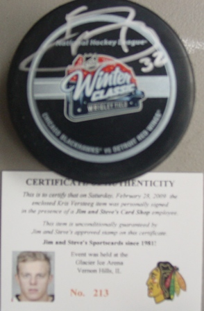 Kris Versteeg signed 2009 Winter Classic game puck with cert/holograms