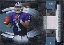 2009 Playoff Prestige Prestigious Picks Materials Platinum Patches #30 Josh Freeman