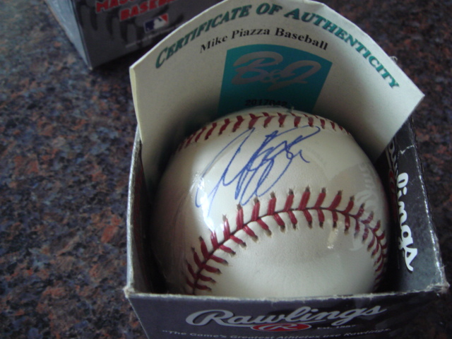 Mike Piazza Autographed Official MLB Baseball With B & J COA