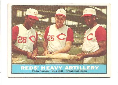 1961 Topps #25 Reds Heavy Artillery/Vada Pinson/Gus Bell/Frank Robinson
