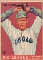 1933 Goudey #7 Ted Lyons RC