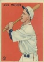 1933 Goudey #126 Joe Moore BAT RC