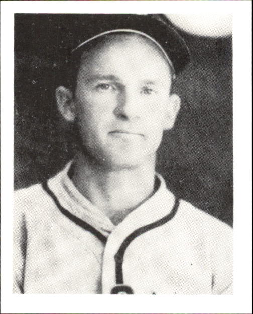 1939 Play Ball #122 George McQuinn RC