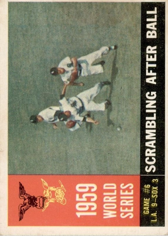 1960 Topps #390 World Series Game 6/Scrambling After Ball
