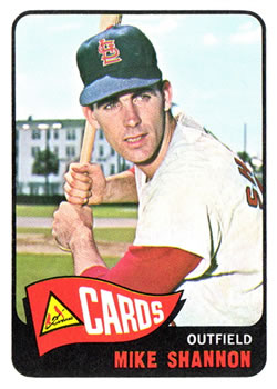 1965 Topps #43 Mike Shannon UER (Name in Red, but other Cardinals Names are in Yellow)