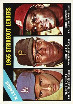 1966 Topps #225 NL Strikeout Leaders/Sandy Koufax/Bob Veale/Bob Gibson