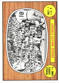1967 Topps #154 World Series Game 4/Robinson/McNally
