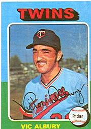 1975 Topps #368 Vic Albury