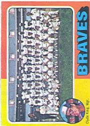 1975 Topps #589 Atlanta Braves CL/Clyde King MG