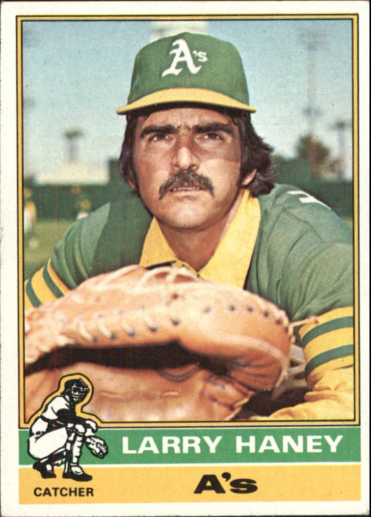 1976 Topps #446 Larry Haney