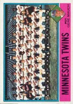 1976 Topps #556 Minnesota Twins CL/Gene Mauch MG