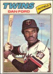 1977 Topps Cloth Stickers #16 Dan Ford