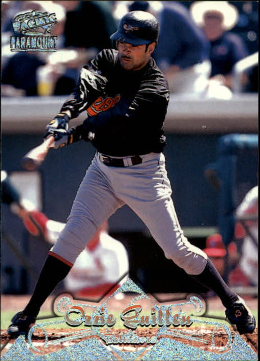 1998 Paramount Holographic Silver #14 Ozzie Guillen
