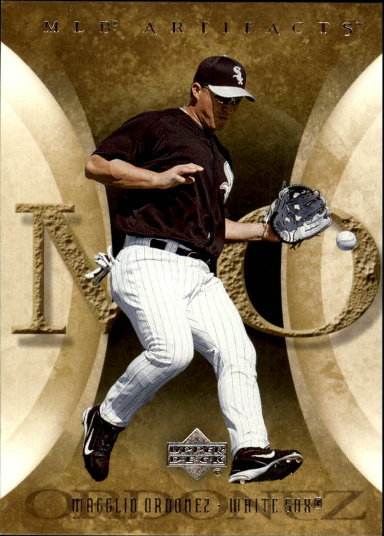 2005 Artifacts #62 Magglio Ordonez