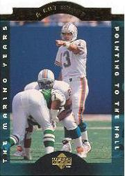 1996 Collector's Choice Dan Marino A Cut Above #CA8 Dan Marino/Pointing to the Hall