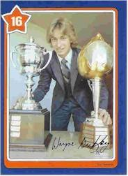 1982-83 Neilson's Gretzky #16 Sharp Turning