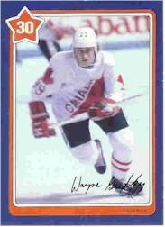1982-83 Neilson's Gretzky #30 Passing to the Slot