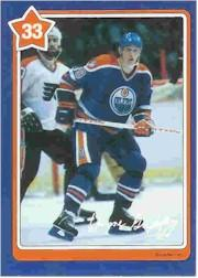 1982-83 Neilson's Gretzky #33 Body Checking
