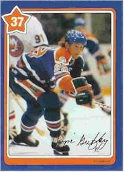 1982-83 Neilson's Gretzky #37 Using the Boards