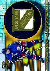 1997-98 Revolution Team Checklist Laser Cuts #16 Wayne Gretzky