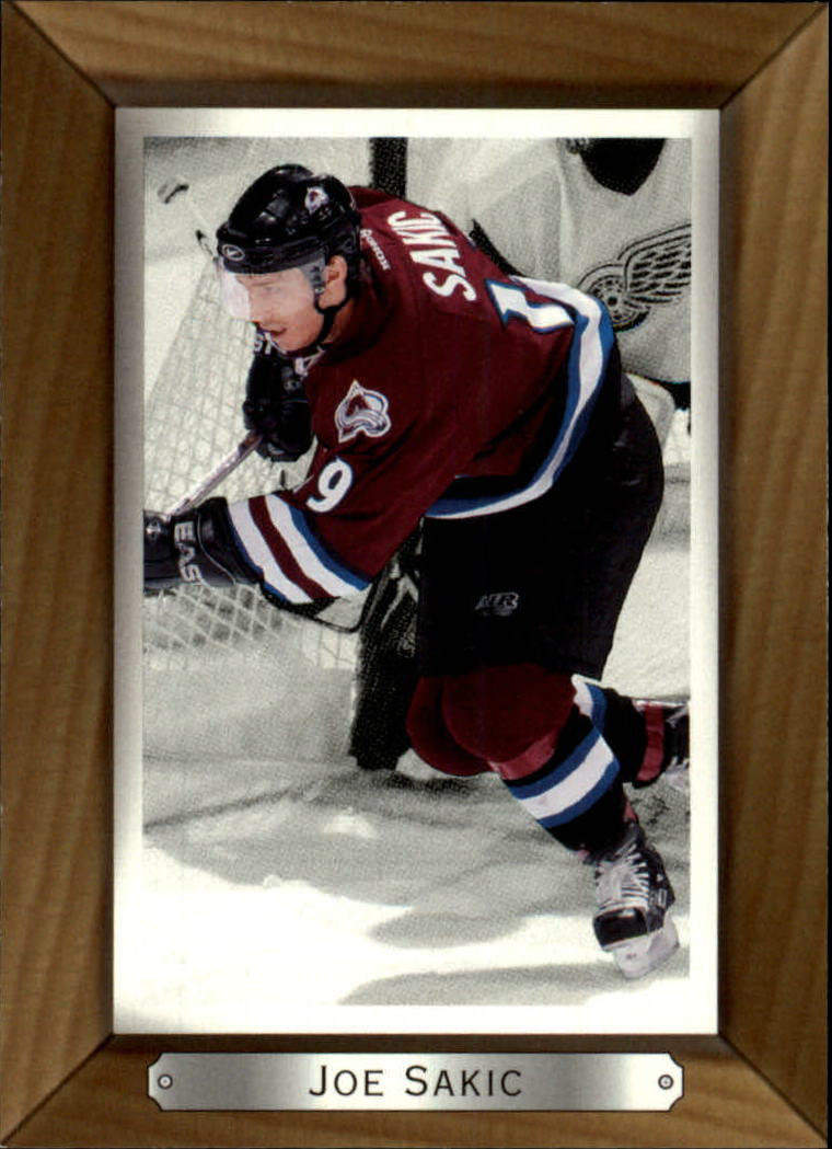 2003-04 Beehive #53 Joe Sakic