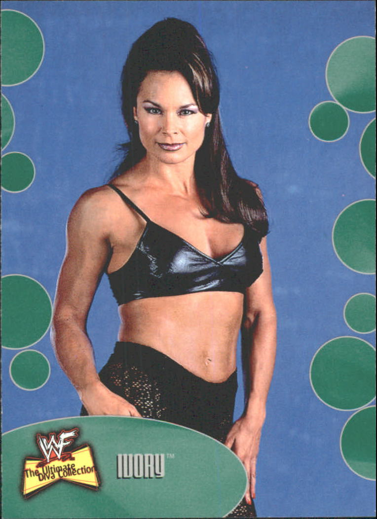2001 Fleer WWF The Ultimate Diva Collection #17 Ivory
