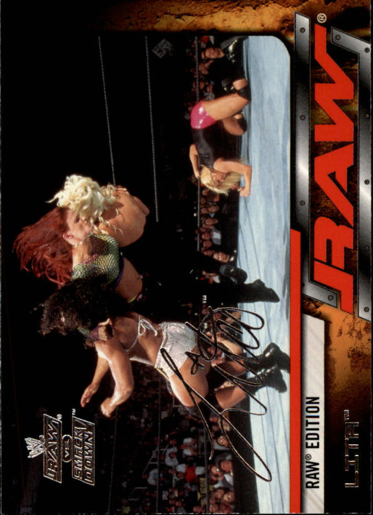 2002 Fleer WWE Raw vs. Smackdown #23 Lita